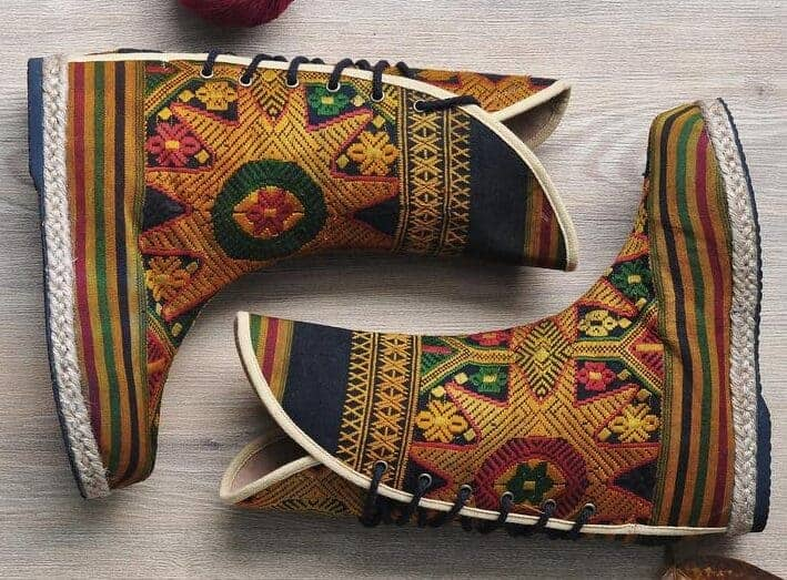 siam tip vegan moccasin boots-min