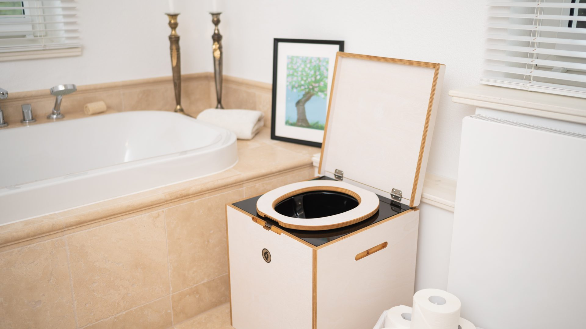 Do Waterless Toilets Work In An Apartment? 5 Reasons Why They Do